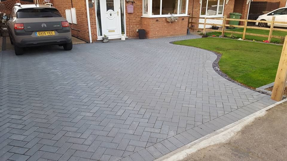 Domestic driveway laid by out team.